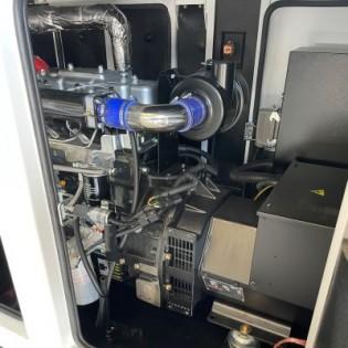BLACK+DECKER Groupe électrogène 6.3Kw Diesel 230V Insonorisé BXGND6300E