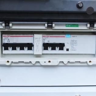 BLACK + DECKER Groupe électrogène diesel silencieux 8KVA mono et tri BXGND7900E